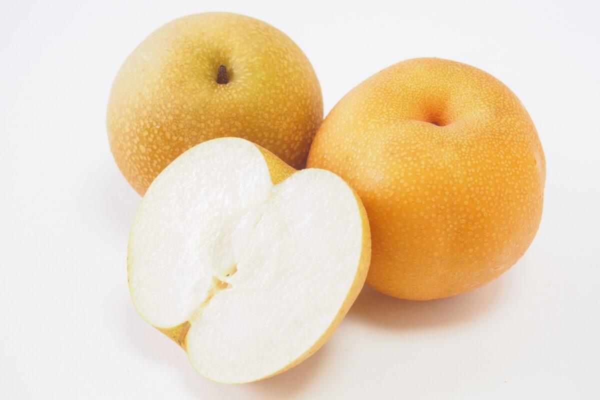梨の皮ごと食べる